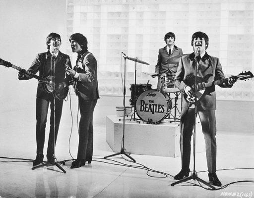 Los Beatles en Anochecer de un día agitado