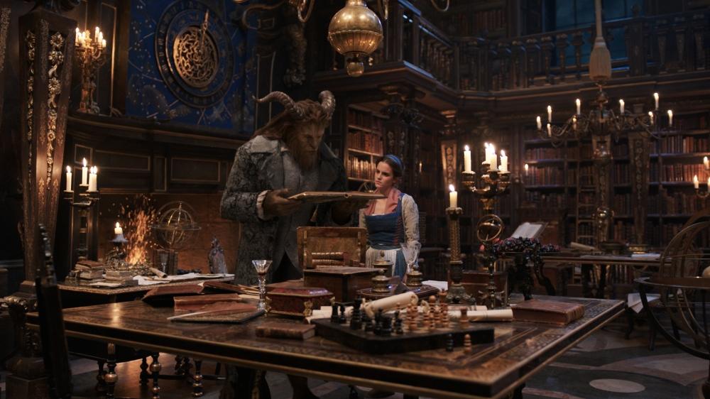 La Bella y la Bestia regresa al cine con actores en una fantástica película con el sello Disney.